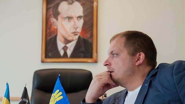 На виборах мера Конотопа перемагає свободівець Семеніхін