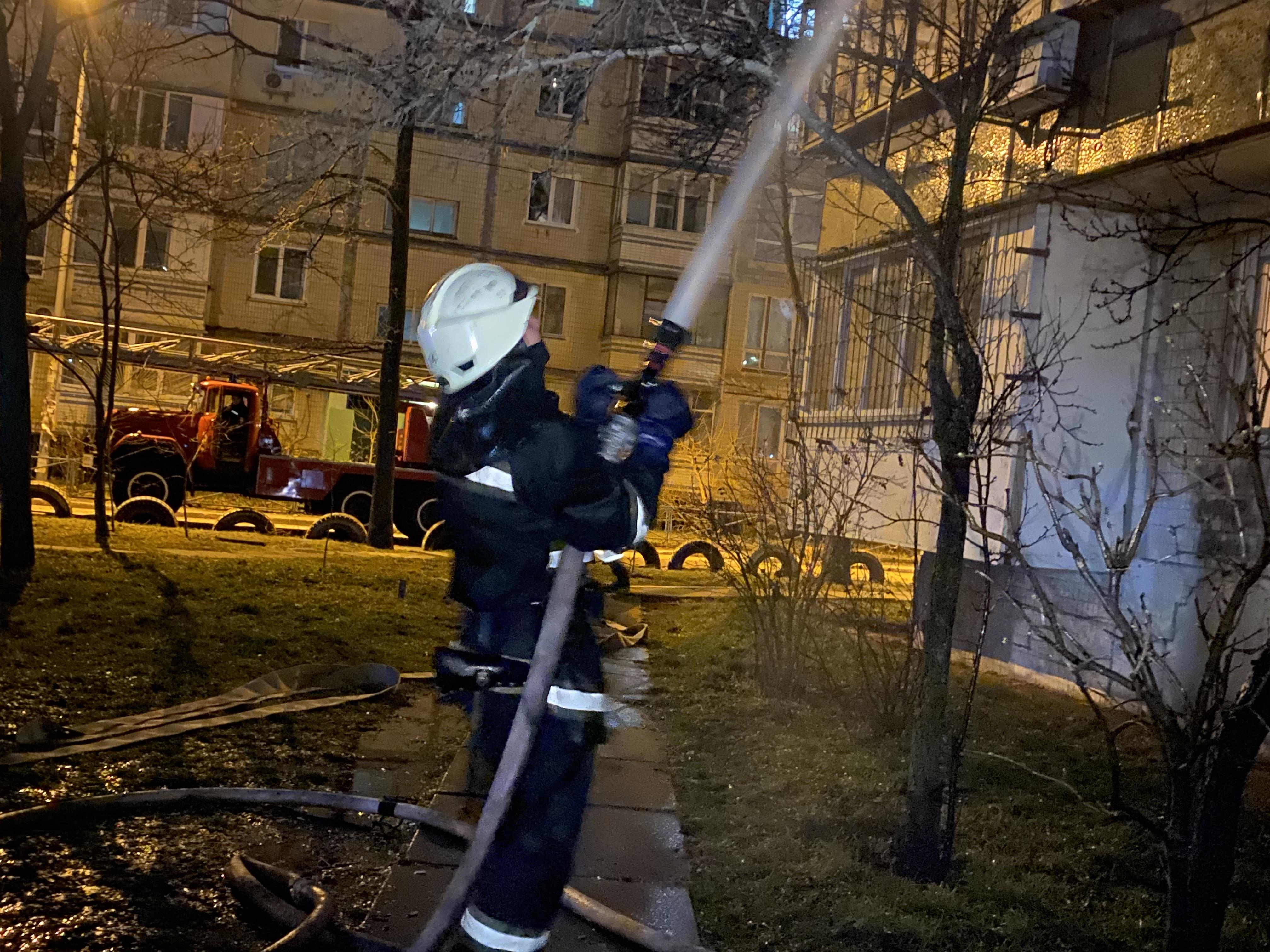 У Києві сталася пожежа у багатоквартирному будинку