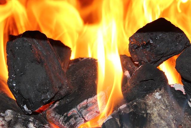 Камяне вугілля, вогонь