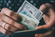 Долар здорожчав: курс валют в Україні 2 березня