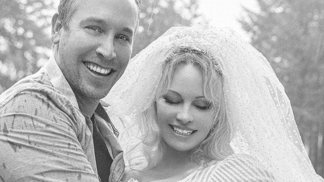 Ушосте: Памела Андерсон вийшла заміж за власного охоронця