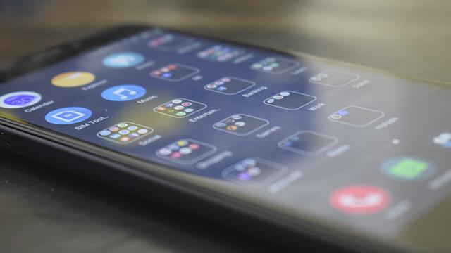 Xiaomi представила технологію, яка заряджатиме телефони на відстані
