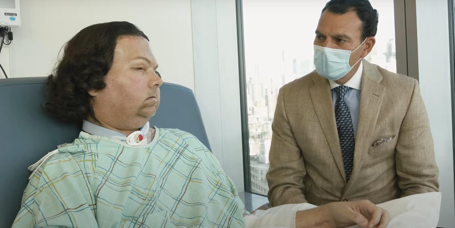 У США вперше успішно провели пересадку обличчя та рук