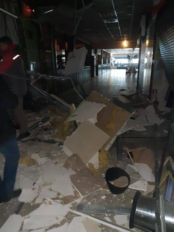У Чернівцях в ТЦ Майдан прогримів вибух (ФОТО)
