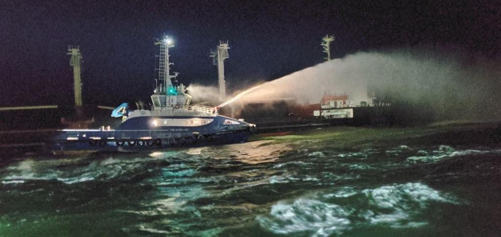 Пожежа на судні PRINCE 4 e Чорному морі біля села Рибаківка (ВІДЕО)