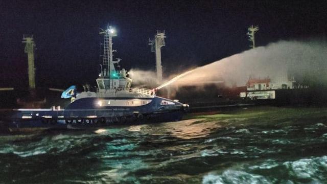 У Чорному морі горіло судно PRINCE 4 – відео та фото події