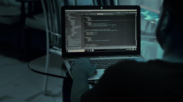 Прикриваються темою вакцинації від Covid-19: хакери атакують українців