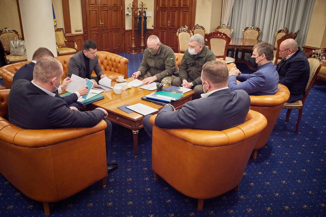 Підрив трьох військових на Донбасі: президент дав 10 днів на розслідування трагедії