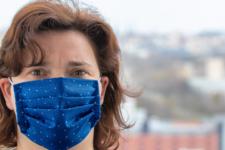 Паспорти вакцинації та понад 7 тис. смертей: коронавірус у світі 8 березня