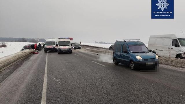 Смертельна ДТП на трасі Київ – Чернігів: зіткнулися п'ять автомобілів