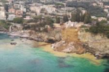 200 трун упали в море: в Італії зі скелі звалився цвинтар
