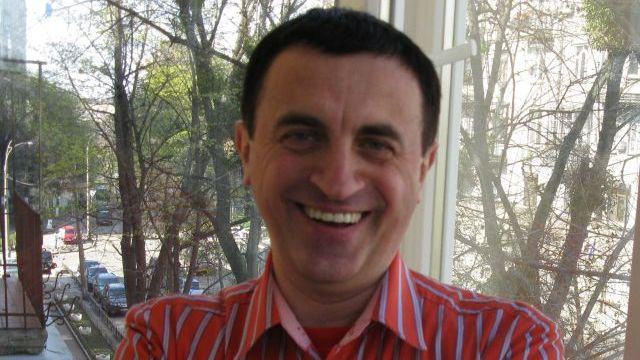 """Підозра у держзраді: СБУ затримала """"експерта"""", який працював на служби РФ"""