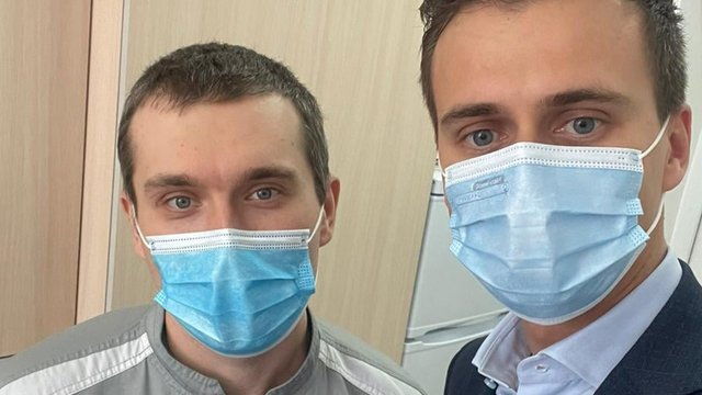В Україні почалася вакцинація від Covid-19 – перше щеплення отримав лікар