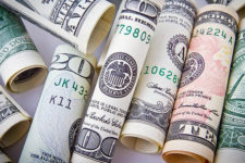 НБУ ослабил гривну к евро: курс валют на 26 февраля