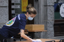 Вакцинація в Україні та звільнення міністрів Йорданії: головне про коронавірус 28 лютого