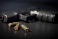 Продавали дозволи на зброю в месенджерах: Нацполіція викрила корупційну схему
