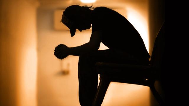 Як вберегти дітей від закликів до самогубства у соцмережах