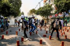 Найкривавіший день протестів: у М'янмі силовики вбили майже 40 осіб, серед них діти