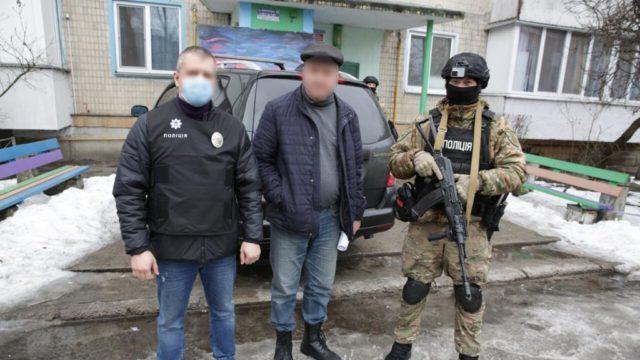 """Фотограф-педофіл: на Київщині затримали """"творця"""" дитячого порноконтенту"""