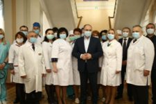 Я лікар, я вакцинуюсь: українські медики запустили флешмоб на підтримку вакцинації