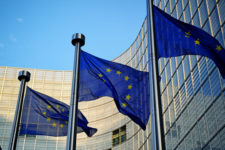 Європейський Союз офіційно зняв санкції з Арбузова і Табачника