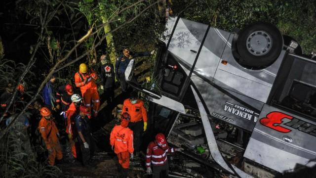 Аварія в Індонезії_автобус_ДТП