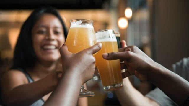 У США людей заохочуватимуть до вакцинації безкоштовним пивом