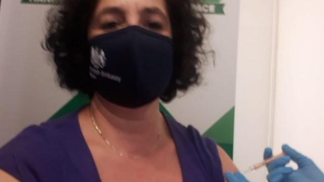 Вакцинація_коронавірус_ посол Великої Британії в Україні Мелінда Сіммонс