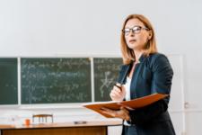 Дистанційне навчання – не привід для урізання зарплат вчителів – Шкарлет