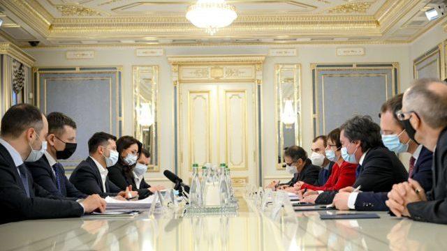 Розвиток інфраструктури та аграрного сектору: підсумки зустрічі Зеленського з президентом ЄБРР