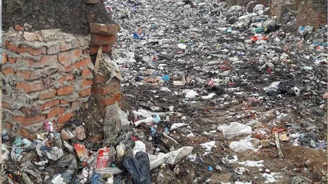 У Житомирській області виявили величезне звалище небезпечних Covid-відходів