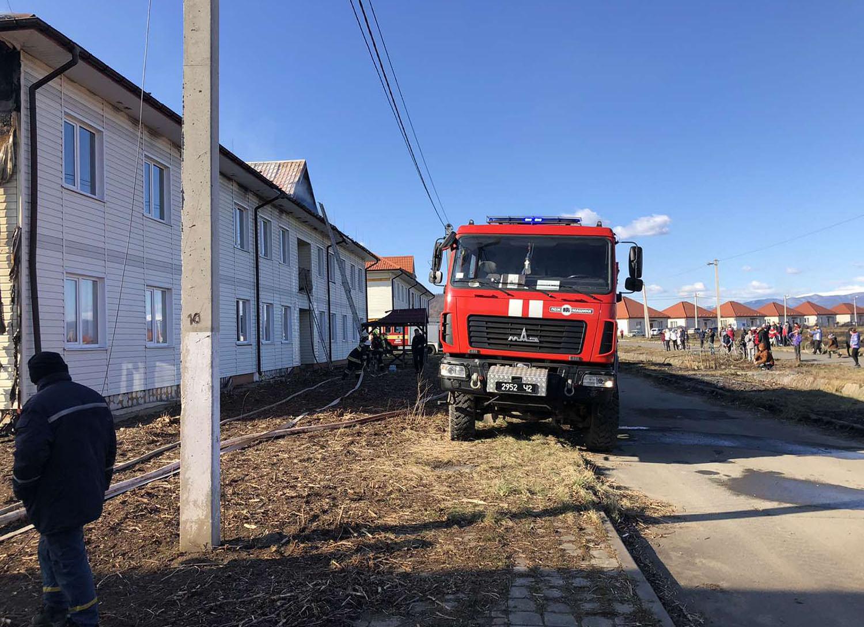 Пожежа на Закарпатті у житловому комплексі Солотвинський: подробиці пожежі