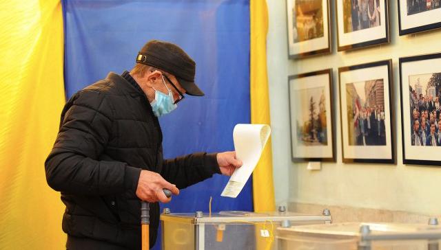 Хто лідирує на довиборах у Верховну раду на окрузі №87 – екзит-пол