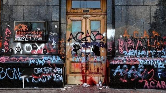 Двері Офісу президента_протести_Стерненко