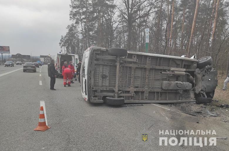 Під Києвом катафалк з труною зіткнувся з Москвичем – двоє людей загинули