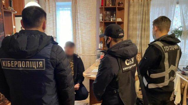 Вкрали 10 млн грн: шахраї ошукали понад 200 осіб завдяки зливу даних у даркнеті