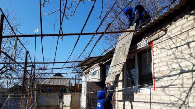 У Донецькій області почали відновлювати будинки, пошкоджені через бойові дії