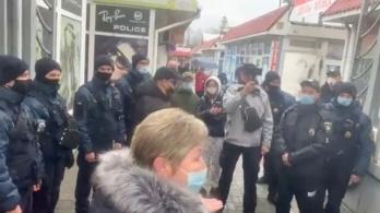 У Миколаєві Нацгвардія і поліція заблокували роботу ринку