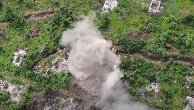 Пост і бліндаж злетіли в повітря: відео знищення вогневої точки бойовиків