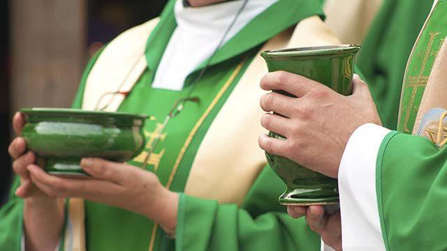 Священнослужителі