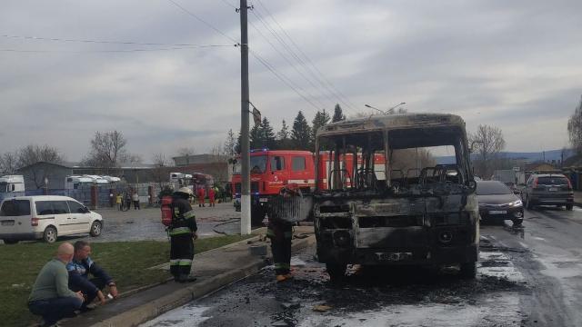 У Дрогобичі під час руху загорівся автобус