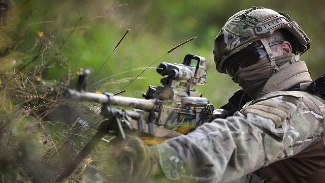 НАТО варто розглянути питання про постійну присутність в Україні – дипломат