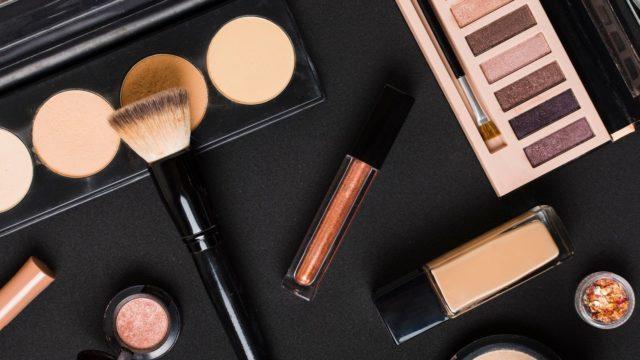 Декоративна косметика на кожен день: 7 незамінних засобів