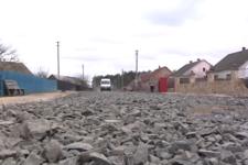 Самі собі автодор: на Рівненщині селяни власними силами позбулися бездоріжжя