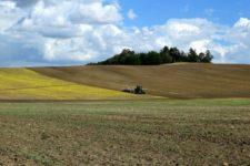 Может быть погрузчиком: под Харьковом тестируют усовершенствованный трактор Т-160