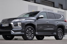 Тест-драйв Mitsubishi Pajero Sport: между городом и бездорожьем