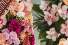 Почему нельзя нести искусственные цветы на кладбища и чем их заменить
