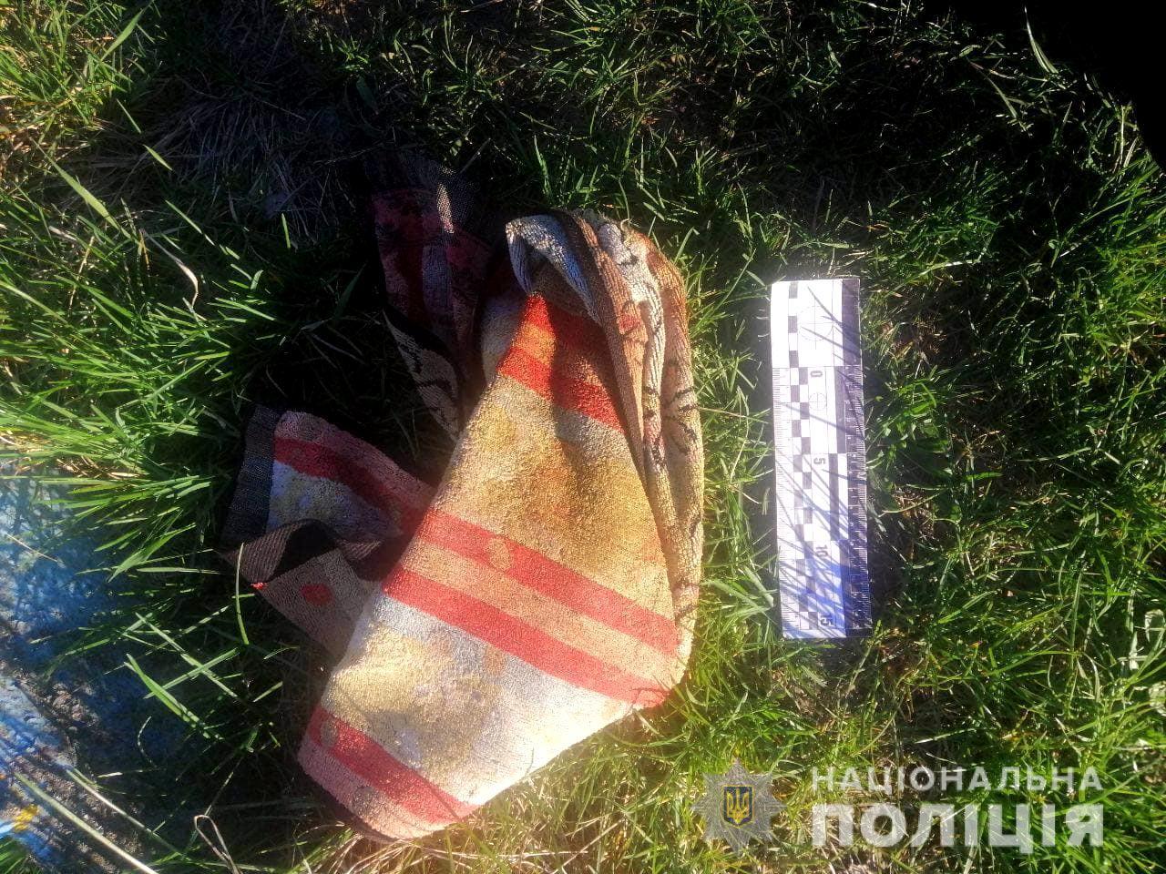 Не витримала п'яного скандалу: на Рівненщині жінка всадила ножа в серце чоловіку