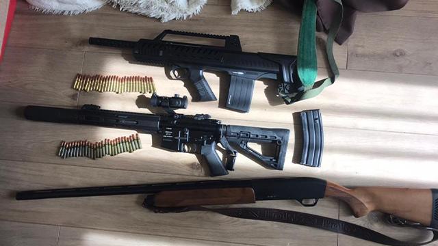 У Києві затримали двох аферистів, які торгували посадами – ФОТО