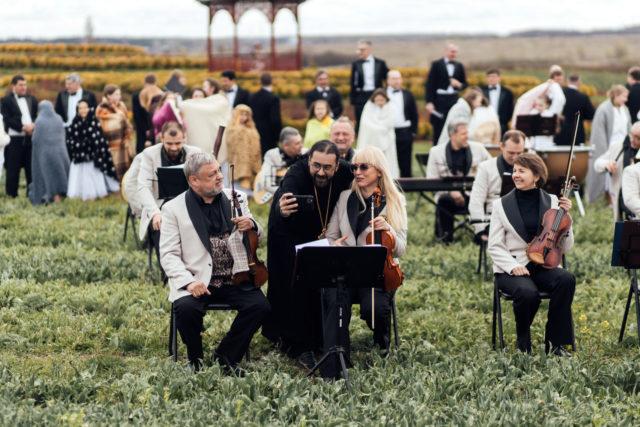 Христос Воскрес на 12 мовах: прем'єра кліпу дивитися онлайн